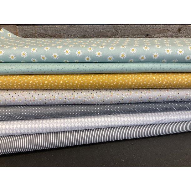 PAKKE til patchwork tæppe. 130 x 160 cm. Grå-mint-karry