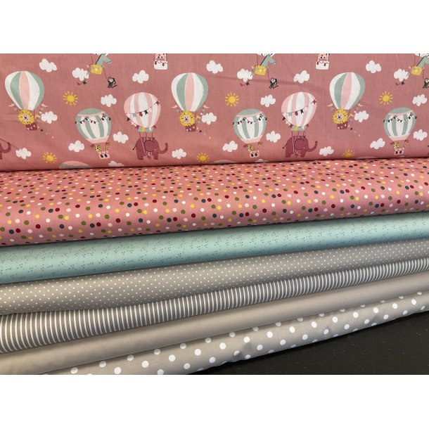PAKKE til patchwork tæppe. 130 x 160 cm. Gammelrosa-mint-sand, luftballoner