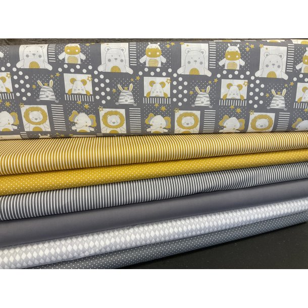 PAKKE til patchwork tæppe. 130 x 160 cm. Grå-hvid-karry med søde dyr