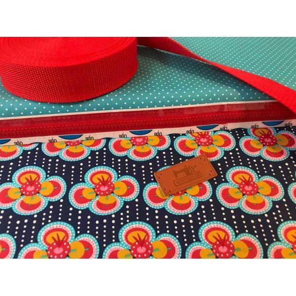 Bumbag pk. Retro blomst, marine blå bund, hvid mini prik turkis bund, rød bånd/lyn
