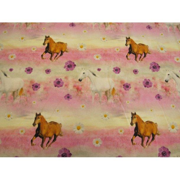 Jersey digital, brune og hvide heste løber i lilla/råhvid stribet blomster eng