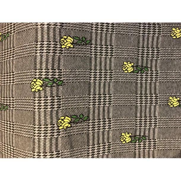Jacquard, skotsk tern m. hanefjed og gule roser