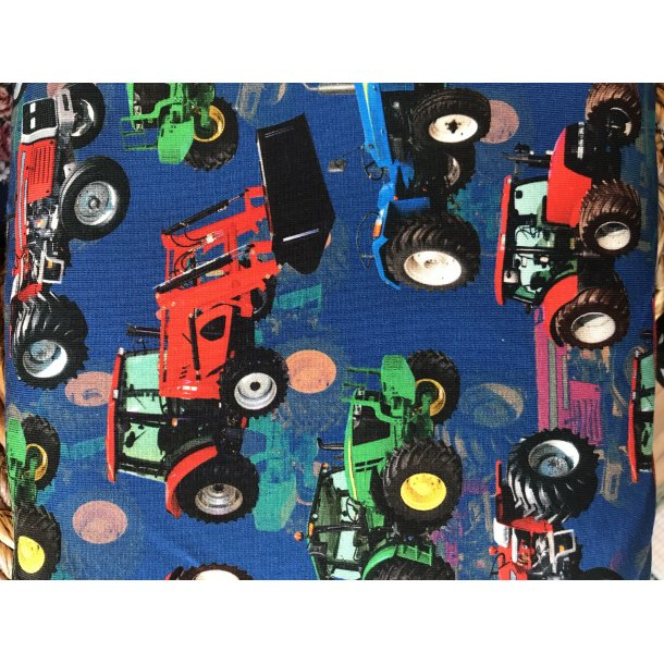 Jersey digital, farvede traktorer + frontlæsser på blå bund, 145 kr pr m