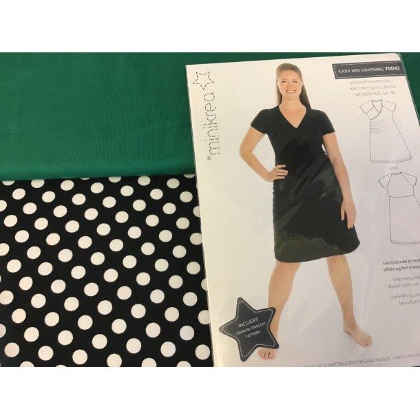 70042 pk, Til str. 34-40, jersey 1 cm hvid prik/sort bund, grøn ensfv. jersey, mønster