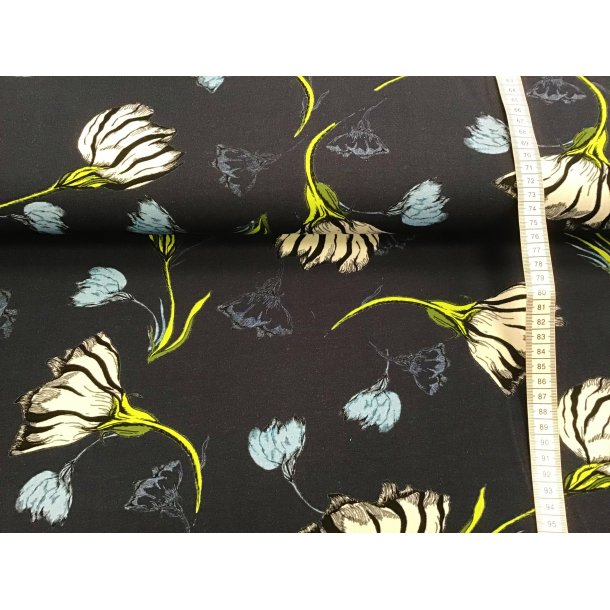 Jersey, hvide/lyseblå blomster m. gul/grøn stilk, marine blå bund