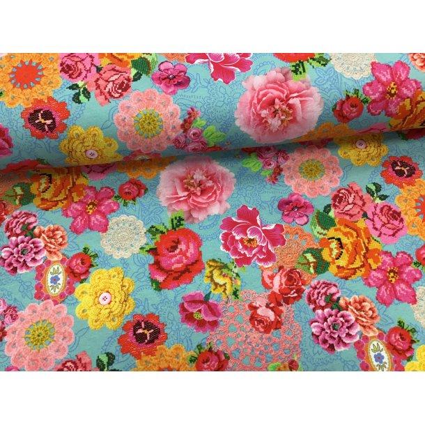 Jersey digital, hæklede og broderede blomster, lyseblå bund