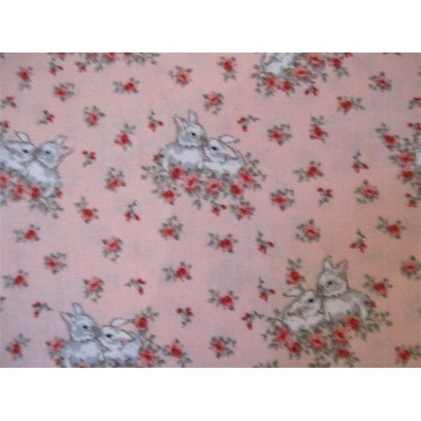 Fast bomuld, Nusse kaniner i blomster bed, lys rød bund