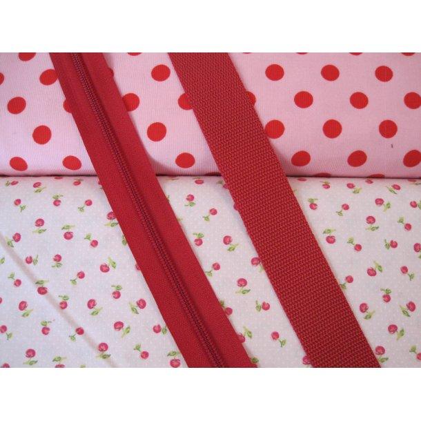 Bumbag pk. Baby fløjl lyserød m. røde prikker, små røde blomster lyserød bund, rød lyn/gjord
