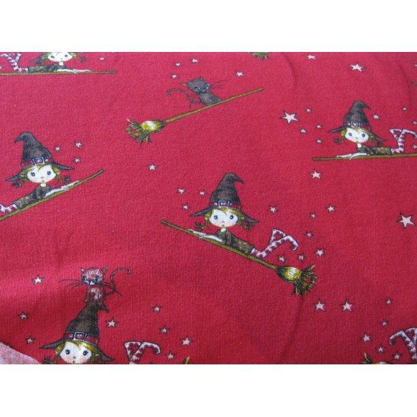 Isoli, Hyggelige hekse tøzzer, rød bund