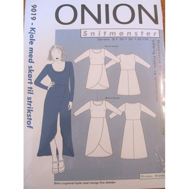 Onion 9019, plus size kjole m. slå-om effekt på skørt.