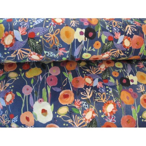French Terry, smukke tegnede blomster i mange farver, blå bund